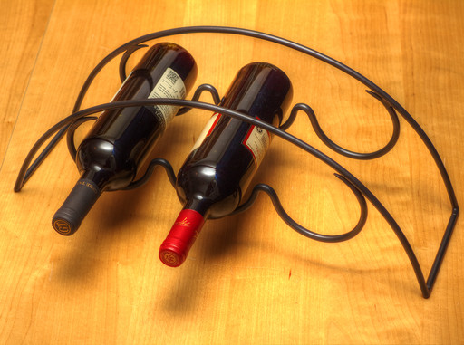 Trio Vino kovácsoltvas asztali bortartó többféle színben - 1613x1200 pixel - 1618783 byte